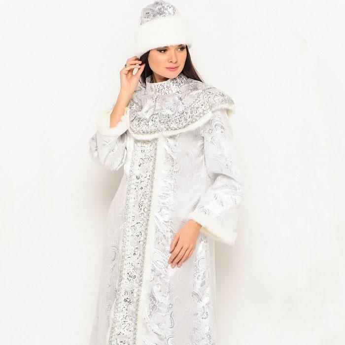 Серебряный костюм Снегурочки.